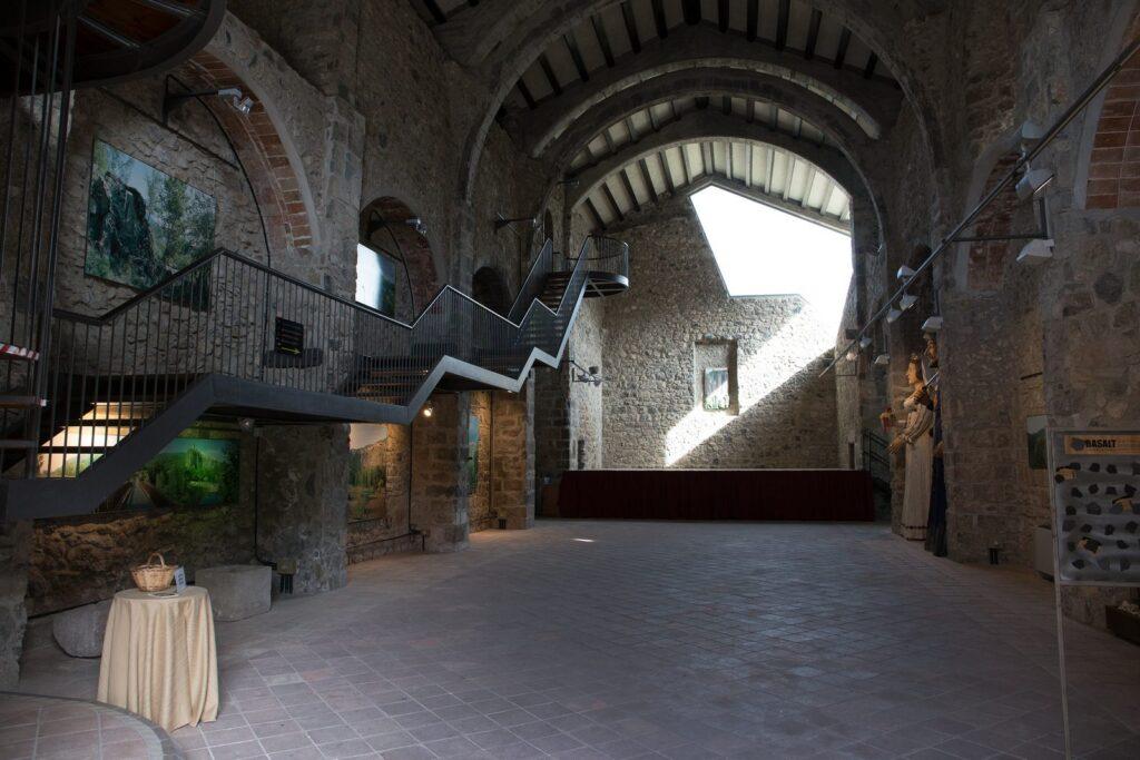 Кастельфольит де ла Рока Castellfollit de la Roca