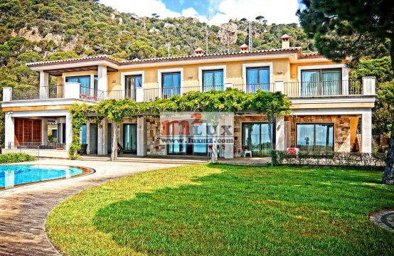 Magnificent villa in the urbanization of Punta Brava, Sant Feliu de Guixols, Costa Brava, Spain