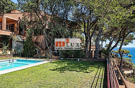 Villa in the urbanization Cala Sant Francesc, Blanes, Costa Brava, Spain