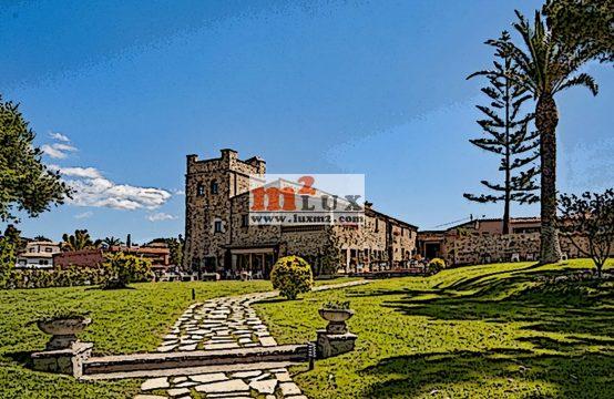 Mini-hotel with restaurant and concert hall in Sant Antoni de Calonge, Costa Brava, Spain