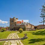 Mini-hôtel avec restaurant et salle de concert à Sant Antoni de Calonge, sur la Costa Brava, en Espagne.
