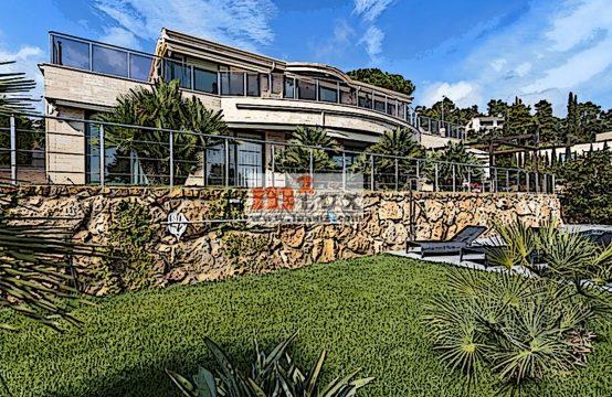 Современная вилла с видом на море, Тосса де Мар, Коста Брава, Испания.