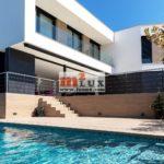 A louer - villa moderne avec 6 chambres à Playa de Aro, Costa Brava, Espagne.