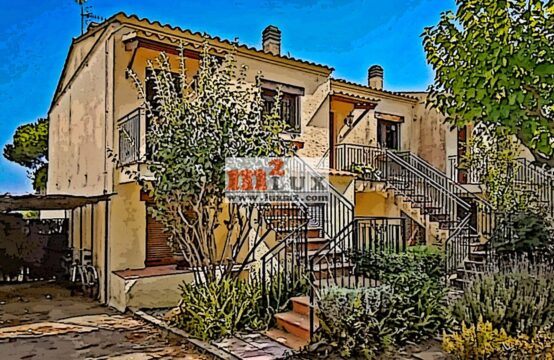 Cozy townhouse for rent in Sant Feliu de Guixols, Costa Brava, Spain.