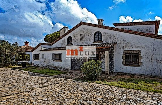 Rustic estate for reconstruction, Tossa de Mar, Costa Brava, Spain.