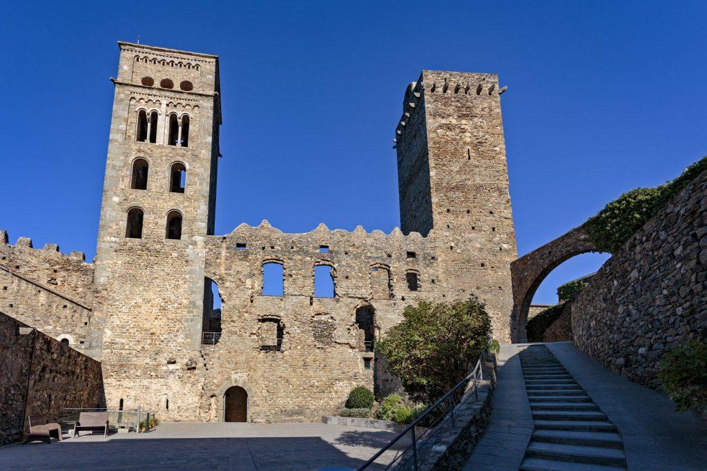 Монастырь Sant Pere de Rodes Monastery Monastère Monasterio Monestir