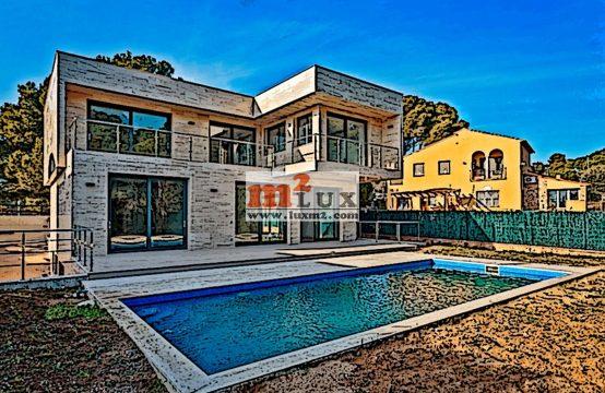 Casa nova a 100 metres de la mar, Platja d'Aro, Costa Brava.