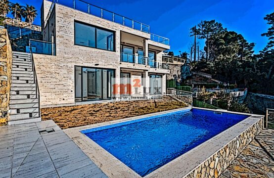 New villa with sea views in the urbanization Font de Sant Llorenç, Lloret de Mar, Costa Brava, Spain.