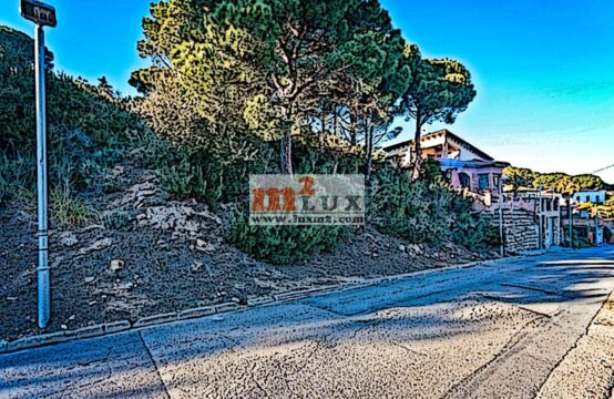 Terreny per construir una casa a la urbanització Serra Brava, Lloret de Mar.