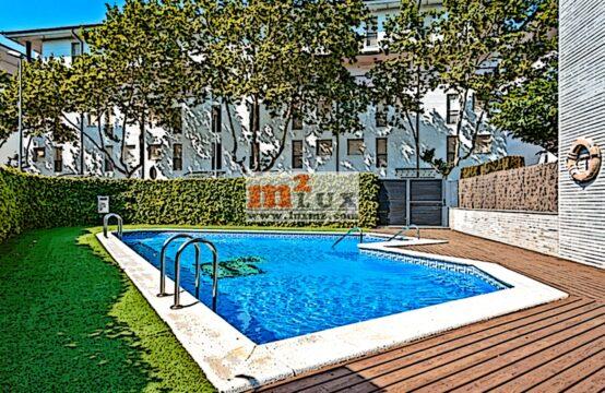 Apartament – àtic de 3 dormitoris al club nàutic Platja d'Aro, Costa Brava.